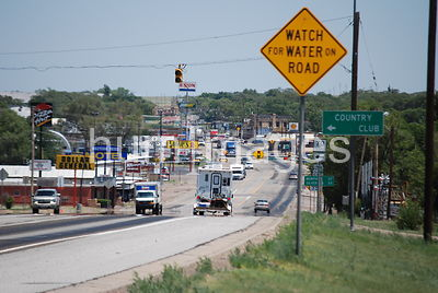 Highway scene in Clarendon, Texas