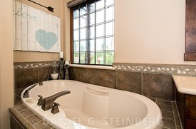 017_Master_Bathroom