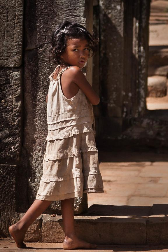 Girl in Baphuon Temple