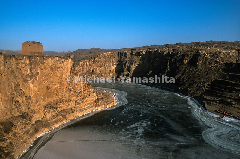 Wall ends abruptly at the Yellow River. Laoniuwan, China