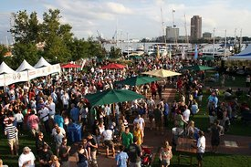 harborfest_crowd