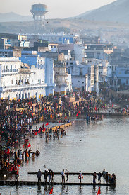 Pilgrims bath in the Hindu holy city of Pushkar during the full moon Puja (Kartik Purnima) of November 2012, Pushkar, Rajasth...
