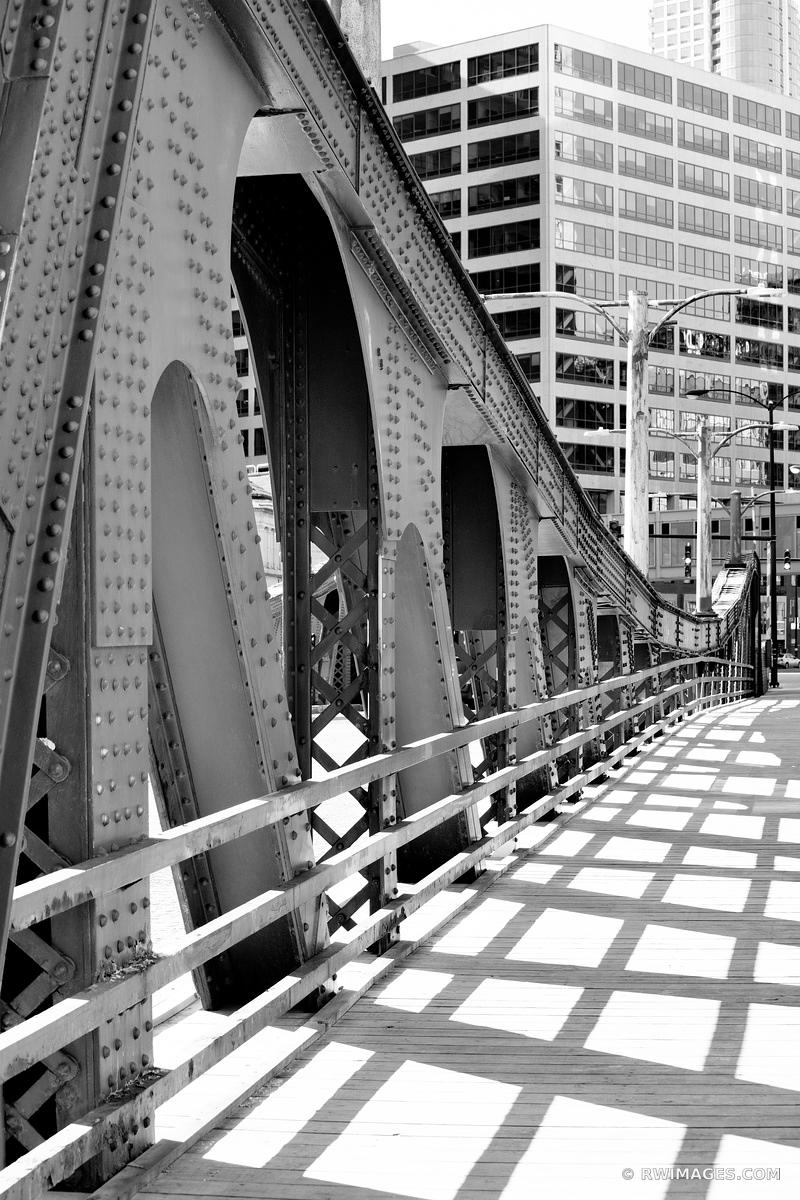 LA SALLE BRIDGE CHICAGO DRAWBRIDGE CHICAGO ILLINOIS BLACK AND WHITE VERTICAL