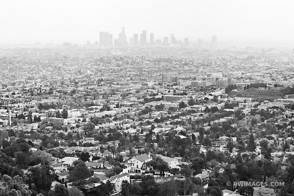 LOS ANGELES SKYLINE AND SMOG BLACK AND WHITE