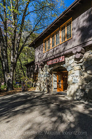 Rustic Style Yosemite Museum in Yosemite Valley