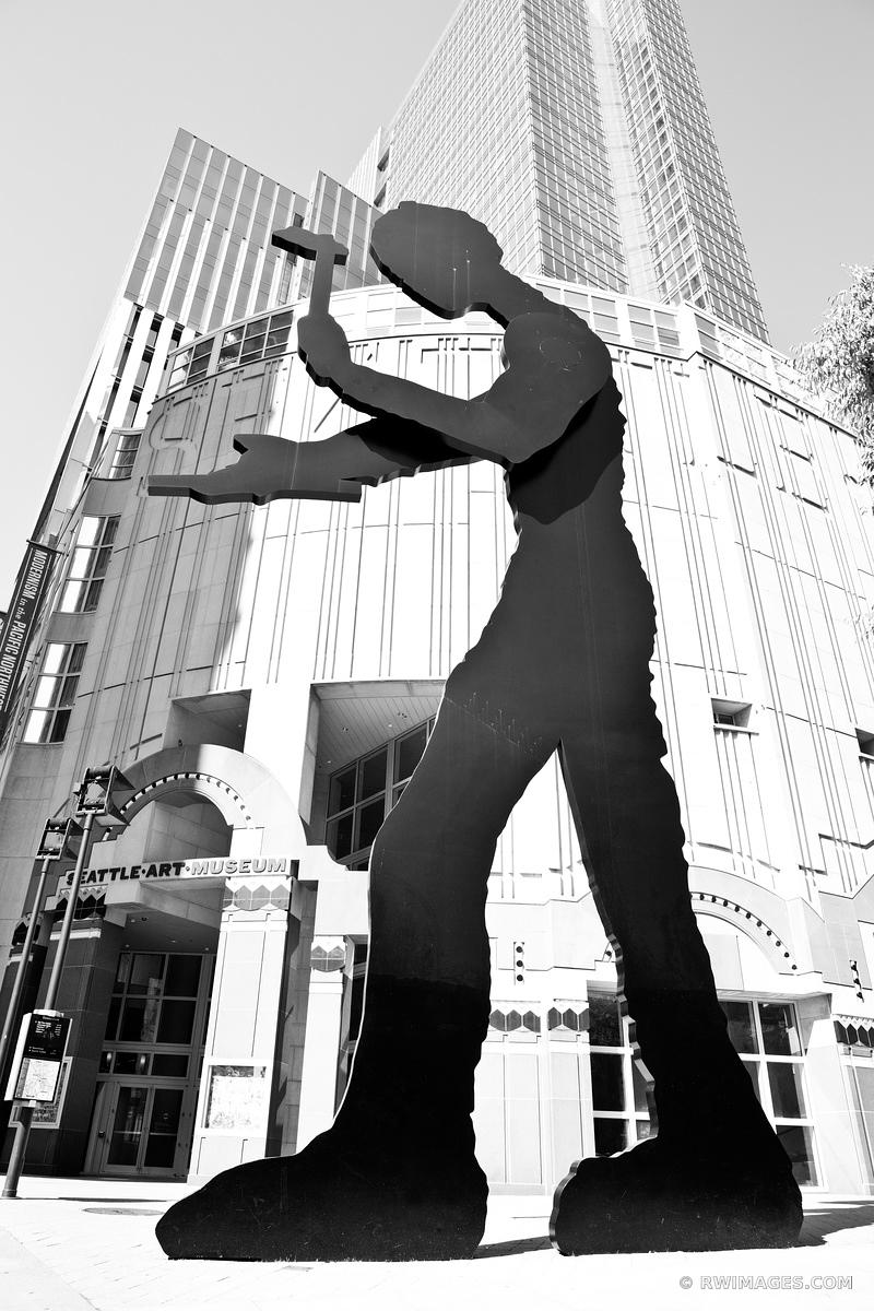 HAMMERING MAN SEATTLE ART MUSEUM BLACK AND WHITE