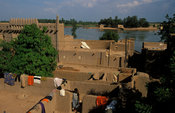 Rooftop view from one of the mud houses in Djenné. Djenné is an island on the Niger Inland Delta, Djenné, Mali