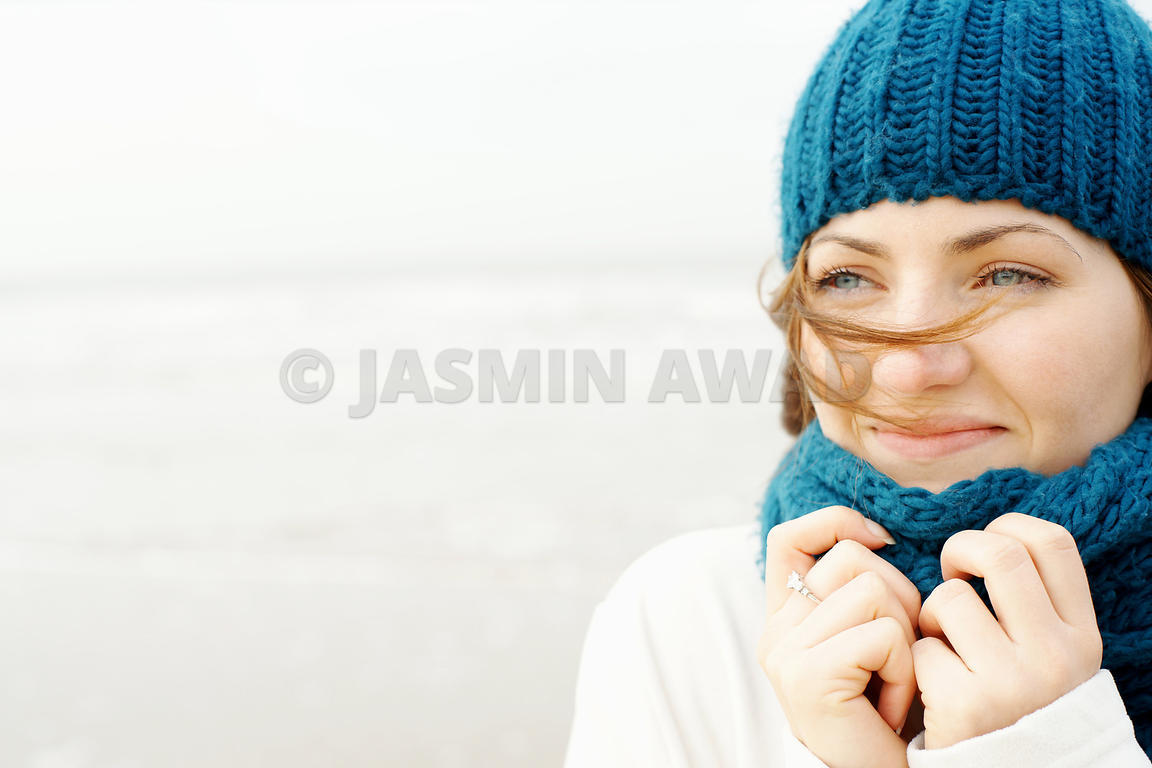 Winter Girl on the Beach2