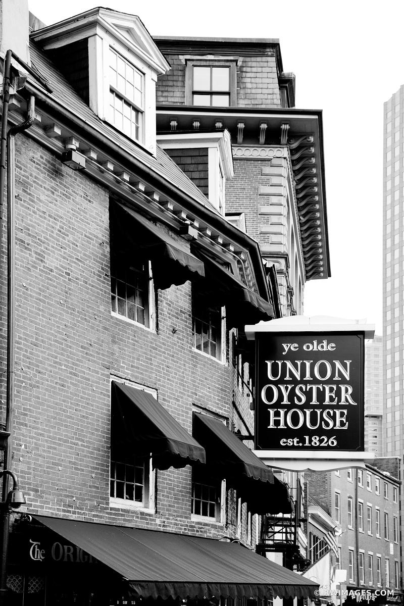 UNION OYSTER HOUSE BOSTON BLACK AND WHITE
