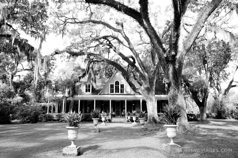 BUTLER GREENWOOD PLANTATION ST. FRANCISVILLE LOUISIANA BLACK AND WHITE