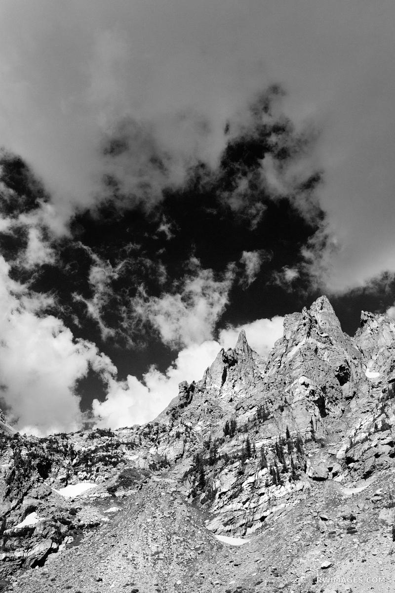 DRAGON'S TAIL COULOIR ROCKY MOUNTAIN NATIONAL PARK COLORADO BLACK AND WHITE VERTICAL