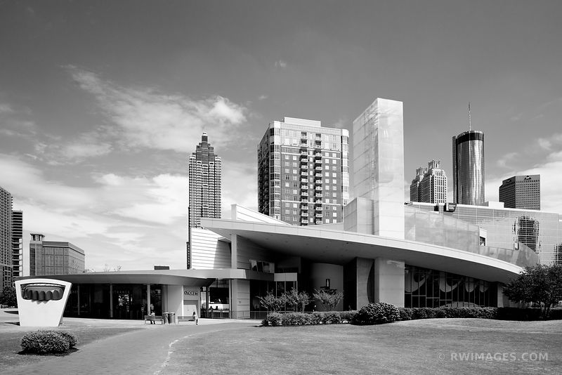 PEMBERTON PLACE DOWNTOWN ATLANTA GEORGIA BLACK AND WHITE