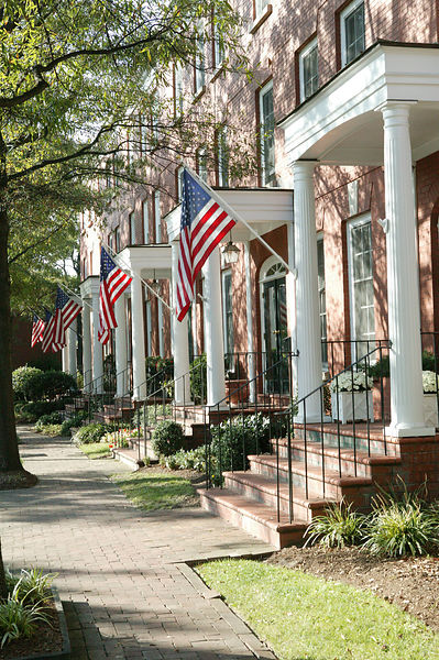 residential_with_american_flags