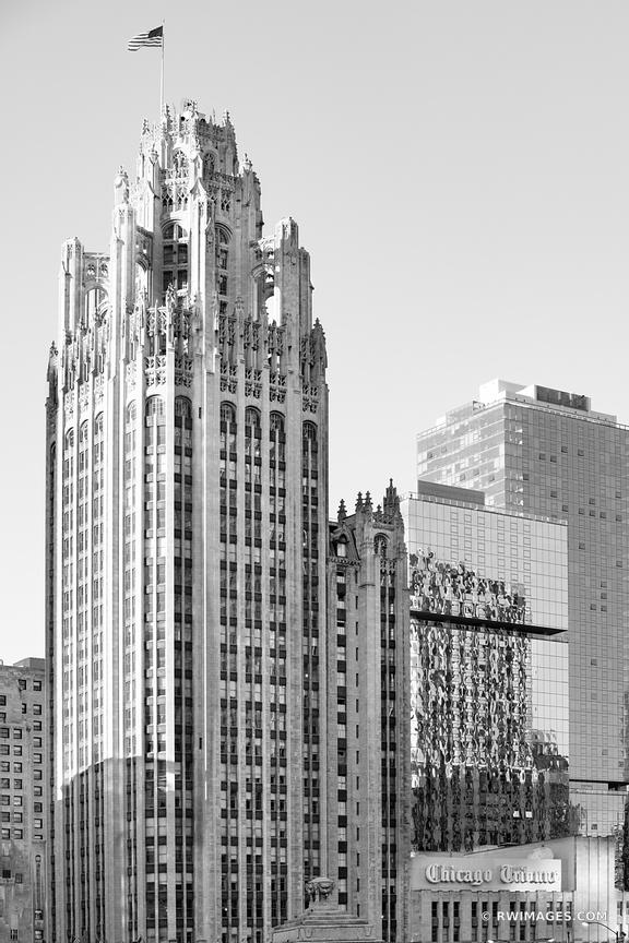CHICAGO TRIBUNE TOWER CHICAGO DOWNTOWN ARCHITECTURE CHICAGO ILLINOIS BLACK AND WHITE VERTICAL