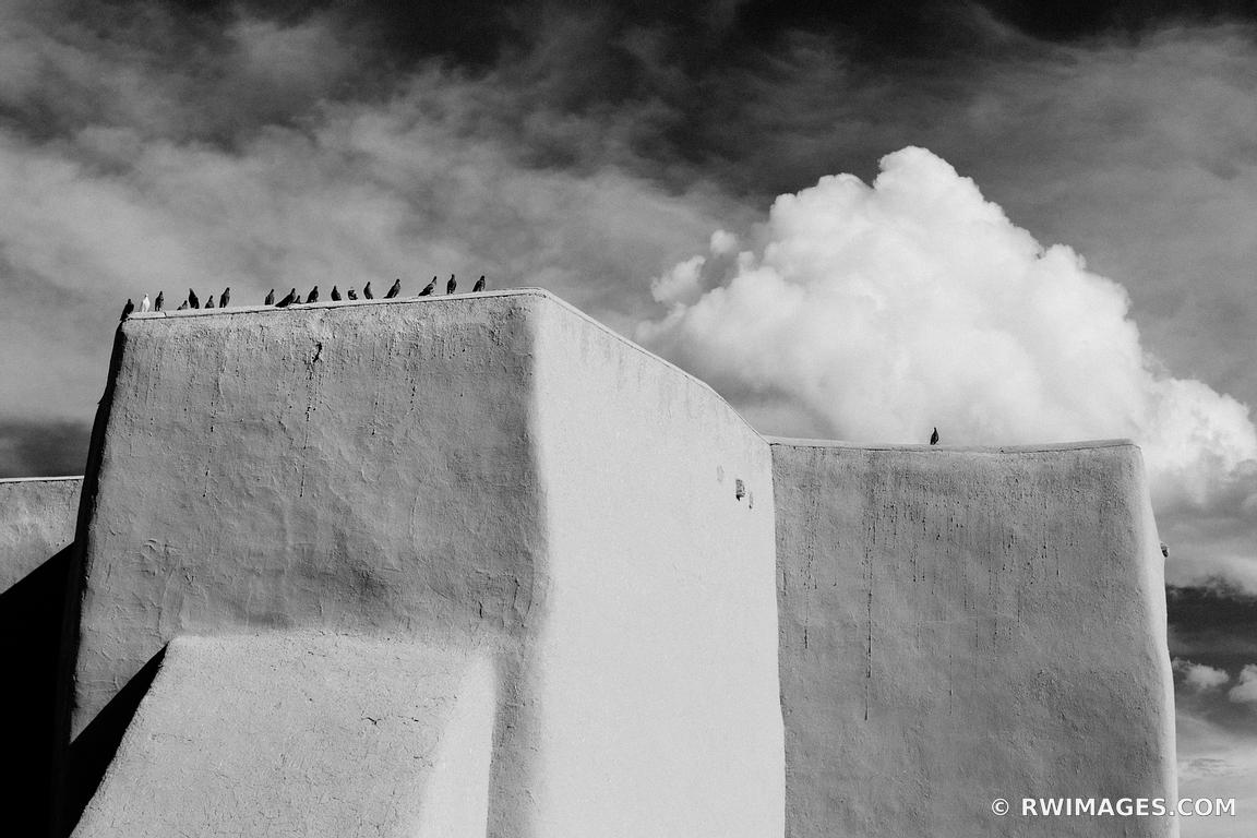 RANCHOS DE TAOS ST. FRANCIS ADOBE CHURCH TAOS NEW MEXICO ARCHITECTURE BLACK AND WHITE