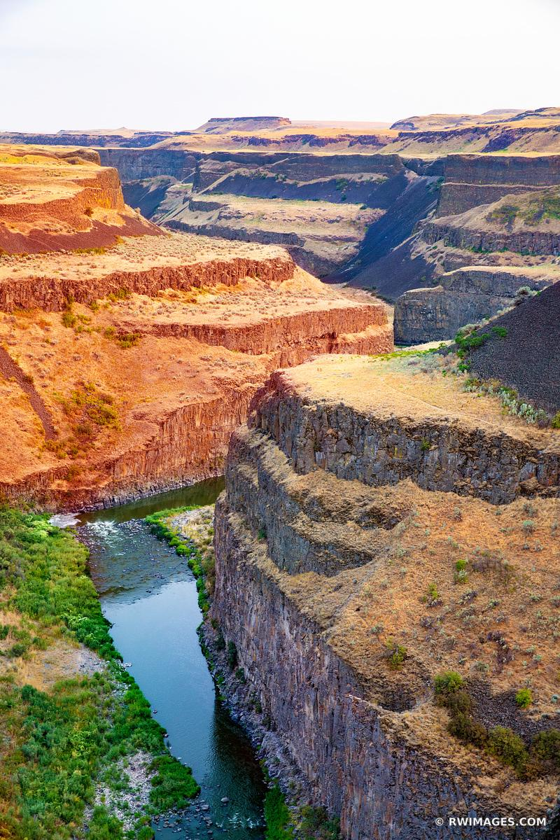 PALOUSE FALLS STATE PARK PALOUSE WASHINGTON COLOR VERTICAL