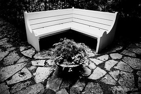 CORNER BENCH SHAKESPEARE GARDEN EVANSTON ILLINOIS BLACK AND WHITE