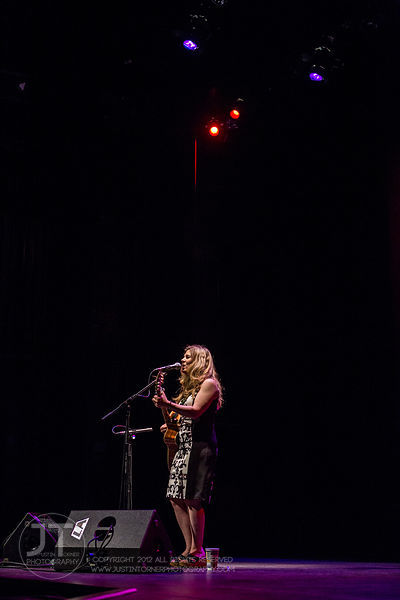 Hoopla - Dar Williams, Englert Theatre, June 12, 2014