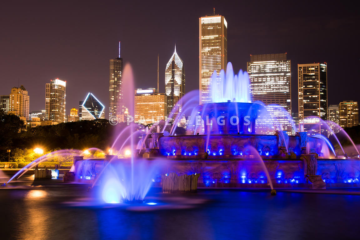 Buckingham Fountain at Night with Chicago Skyline