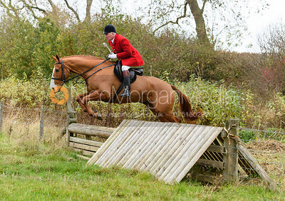 The Cottesmore Hunt at The Grove, Somerby 30/10