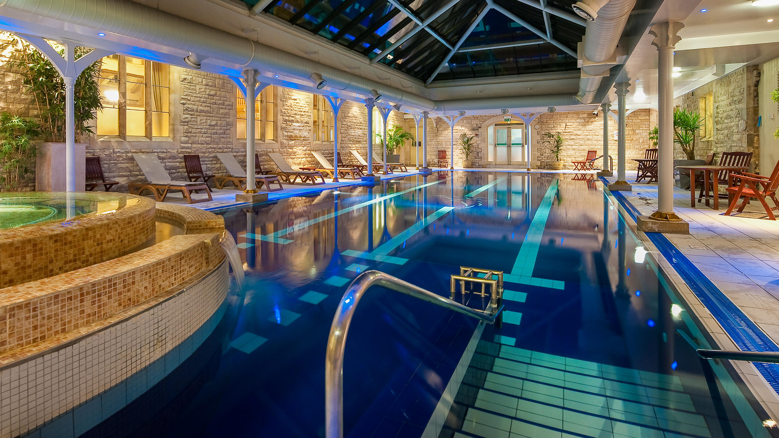 Hotel Spa Swimming Pool