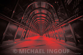 oct._19_2017_la_defense_tunnel_passerelle_porte_enfer_red_artcollection_JPEG_Qualité_maximum