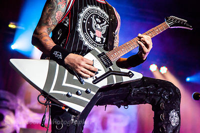 Jason Hook, guitar, Five Finger Death Punch, Aftershock 2013