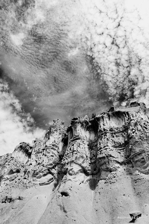 BANDELIER NATIONAL MONUMENT NEW MEXICO BLACK AND WHITE