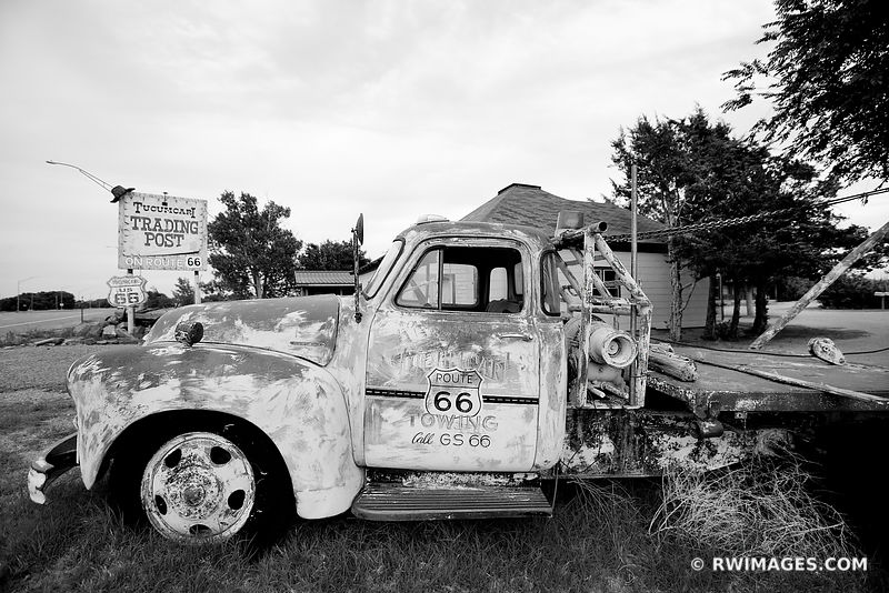 OLD TOW TRUCK CAR TUCUMCARI NEW MEXICO ROUTE 66 BLACK AND WHITE