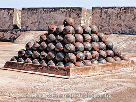 Cannon balls Castillo San Christobal