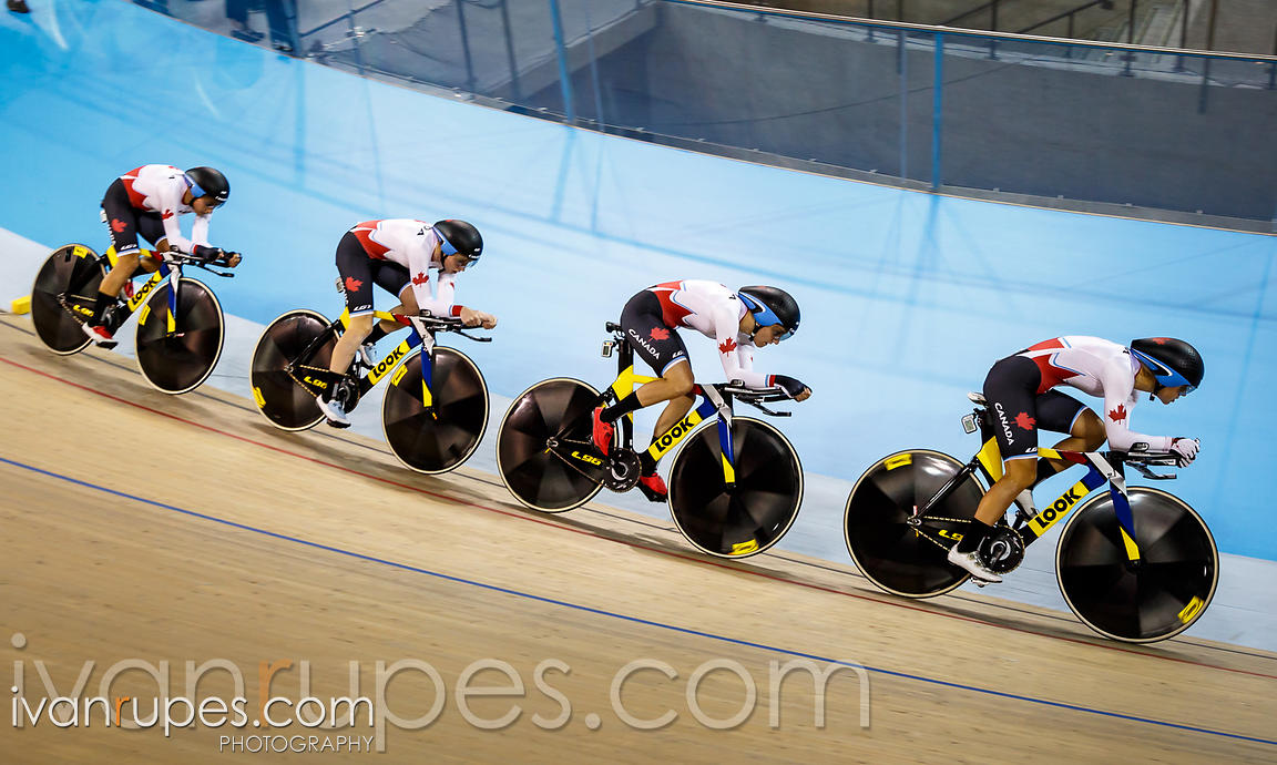 Women's Team Pursuit Final. Track Day 2, Toronto 2015 Pan Am Games, Milton Pan Am/Parapan Am Velodrome, Milton, On; July 17, ...