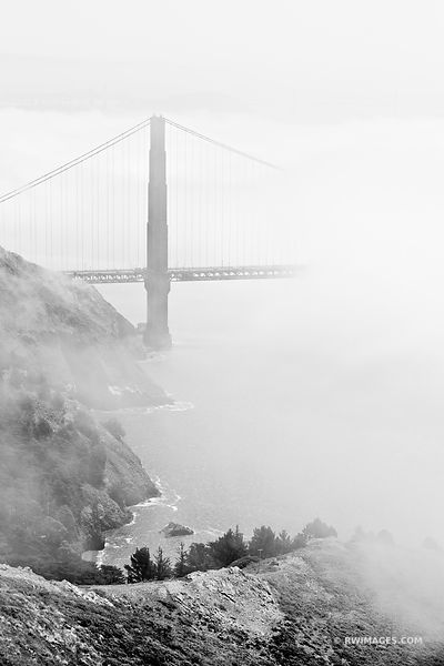 GOLDEN GATE BRIDGE SAN FRANCISCO BLACK AND WHITE VERTICAL