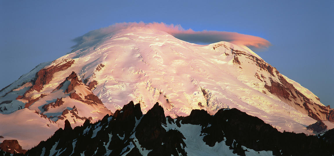 Lenticular Cloud on Mount Rainier