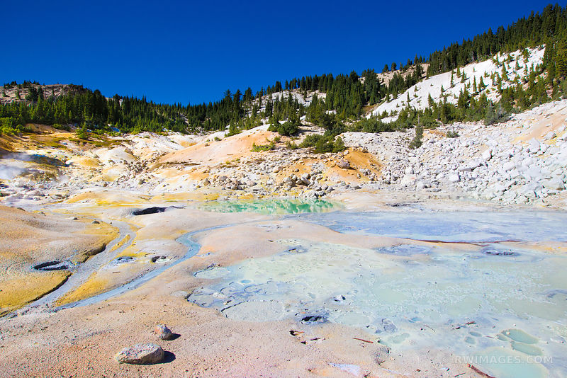SULPHUROUS POOL BUMPASS HELL LASSEN VOLCANIC NATIONAL PARK CALIFORNIA COLOR