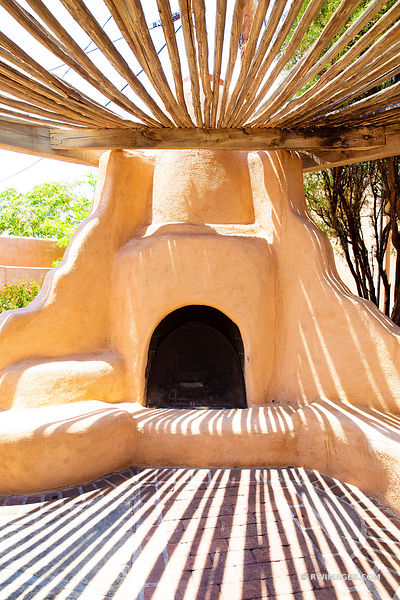 TRADITIONAL ADOBE OVEN OLD TOWN HISTORIC ALBUQUERQUE NEW MEXICO COLOR VERTICAL