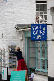 Angleterre, Cornouailles, Polperro,  fish and chips