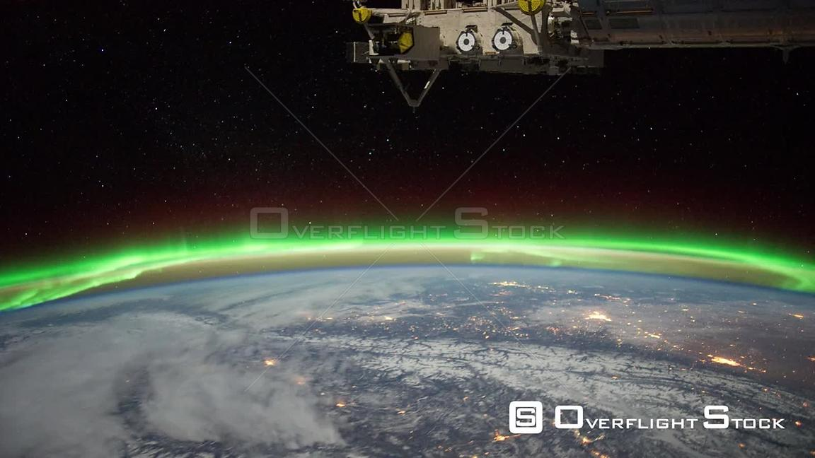 Time-Lapse from ISS over  Canada Aurora Borealis 04 Feb 2012