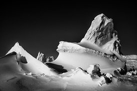 2876-Ice_is_Black_Laurent_Baheux