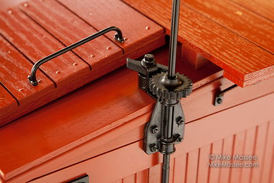 "3"" Scale Boxcar Hardware"
