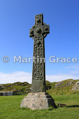 St Martin's Cross (8th or 9th Century), standing intact and in its original position in front of Iona Abbey, Iona, Inner Hebr...