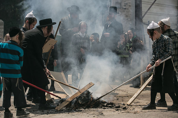 Burning of Chametz - Jerusalem photos