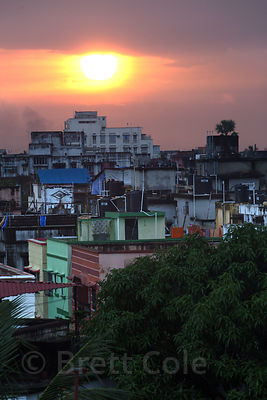 Sunset over Jodhpur Park, Kolkata, India