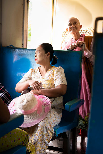 Yangon - rues et train
