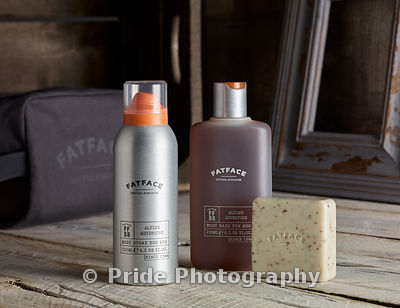 Body_duo_soap_and_wash_bag_open