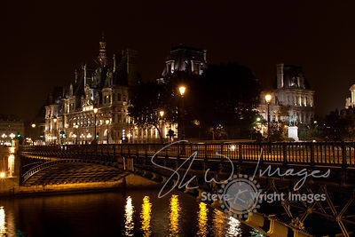 Pont d'Arcole and the Hôtel de Ville at Night - Paris, France