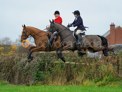The Quorn Hunt at Barrowcliffe Farm 6/11 photos