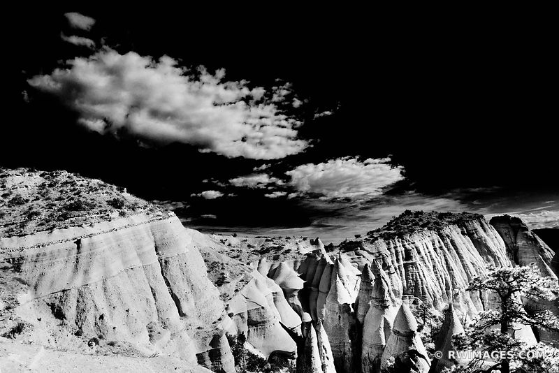 KASHA KATUWE NATIONAL MONUMENT NEW MEXICO SOUTHWEST DESERT LANDSCAPE BLACK AND WHITE