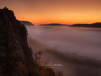 Lake_of_the_Clouds_dodge_Burn_UP_Porcupine_Mountains_Fall_2017_0389