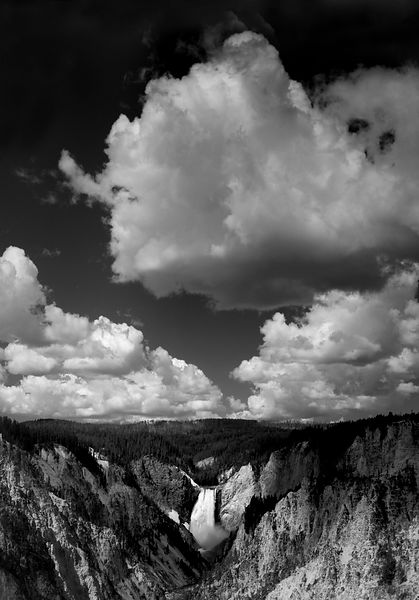 041-WL13020_Yellowstone_Falls_from_Artists_Point_Preview