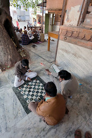 Men playing a game similar to chess, Jodhpur, Rajasthan, India